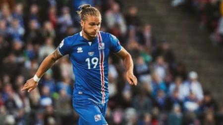 Pesepakbola Islandia yang pernah dinobatkan sebagai pesepakbola terseksi di Piala Dunia 2018 baru-baru ini mengeluarkan pernyataan yang cukup mengejutkan. - INDOSPORT