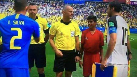 Ahmed Raza di antara wasit yang memimpin laga Brasil vs Kosta Rika. - INDOSPORT