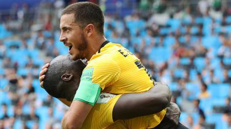 Selebrasi Romelu Lukaku dan Eden Hazard atas golnya ke Tunisia. - INDOSPORT