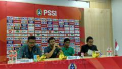 Indosport - Pelatih Timnas Indonesia U-23, Luis Milla berbicara dalam konferensi pers usai kontra Korea Selatan U-23.