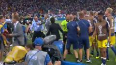 Indosport - Laga Jerman vs Swedia sempat terjadi kericuhan antar staf pelatih.