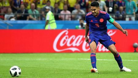 Ada momen unik ketika Radamel Falcao diperkenalkan sebagai pemain anyar Atletico Madrid di bursa transfer musim panas 2011/12. - INDOSPORT