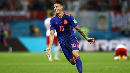 Aurelio De Laurentiis mengatakan bahwa apa pun bisa terjadi soal transfer James Rodriguez, sehingga orang-orang harus bersabar. - INDOSPORT