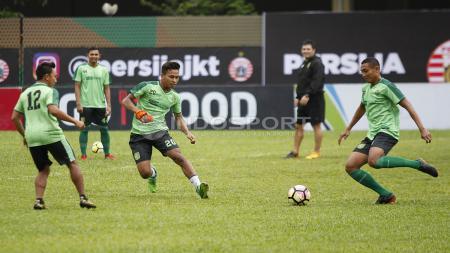 Official Training Persebaya Surabaya jelang laga lawan Persija Jakarta di stadion PTIK. - INDOSPORT