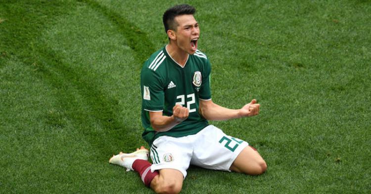 Selebrasi Hirving Lozano saat mencetak gol ke gawang Jerman (17/06/18). Copyright: Football365