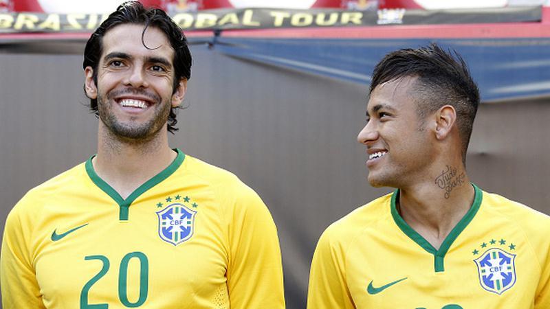 Kaka dan Neymar saat membela Timnas Brasil. Copyright: Getty Images