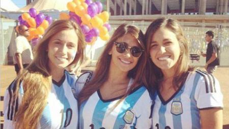 Istri Lionel Messi, Antonella Roccuzzo. - INDOSPORT