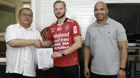 Striker asing Melvin Platje diperkenalkan Bali United. - INDOSPORT