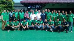 Indosport - Edy Rahmayadi dan skuat PSMS Medan.