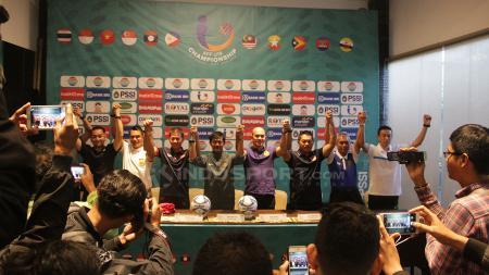 Indra Sjafri saat press conference di Hotel Java Paragon, Surabaya Jawa Timur. Sabtu (30/6/18). - INDOSPORT