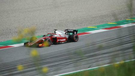 Sean Gelael saat melakoni balapan Formula 2. - INDOSPORT