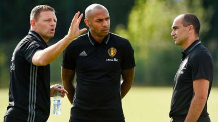 Asisten pelatih Belgia, Thierry Henry(tengah). - INDOSPORT