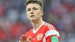 Indosport - Aleksandr Golovin pesepakbola muda Rusia yang memikat Chelsea