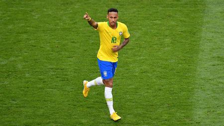 Neymar saat berseragam timnas Brasil. - INDOSPORT
