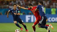 Indosport - Yannick Carrasco mendapat tarikan dari pemain Jepang.