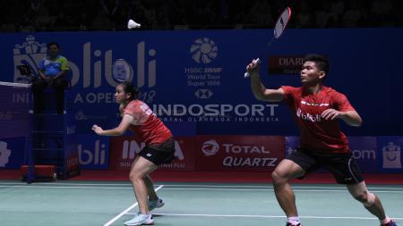 Wakil Indonesia, Praveen Jordan/Melati Daeva Oktavianti, lolos ke babak kedua kejuaraan bulu tangkis Denmark Open 2019 setelah menyingkirkan pasangan Inggris. - INDOSPORT