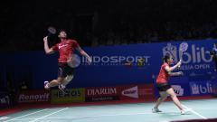 Indosport - Ganda Campuran Indonesia, Praven/Oktavianti saat melawan pasangan Hongkong, Lee/Chou pada babak pertama Indonesia Open 2018 di Istora Senayan, Jakarta.