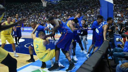 Para fans asal Australia merasa kecewa lantaran Timnas Basket Amerika Serikat yang datang ke negara mereka minim bintang kondang NBA. - INDOSPORT