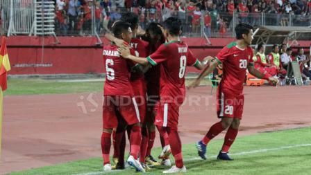 Aksi selebrasi penggawa Timnas Indonesia U-19 melawan Singapura.