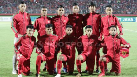 Skuat Timnas Indonesia U-19 dalam menghadapi Singapura U-19 di laga Piala AFF U-18, Selasa (03/07/18).