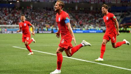 Harry Kane sukses mencetak gol lewat titik putih saat Kolombia vs Inggris di Piala Dunia 2018. - INDOSPORT