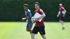 Indosport - Unai Emery memimpin latihan perdana Arsenal.