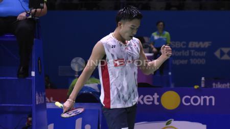 Keberhasilan Kento Momota melaju ke semifinal Fuzhou China Open 2019 resmi membuatnya menjadi unggulan pertama di World Tour Finals 2019. Herry Ibrahim/INDOSPORT - INDOSPORT