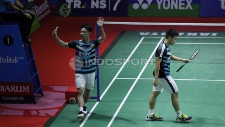Kevin Sanjaya Sukamuljo/Marcus Fernaldi Gideon ketika bertanding melawan ganda campuran asal Malaysia, Ong Yew Sin/Teo Ee Yi di Indonesia Open 2018, Kamis (05/07/18). Herry Ibrahim/INDOSPORT