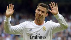 Indosport - Cristiano Ronaldo melambaikan tangan.