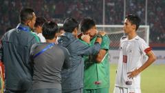 Indosport - Penjaga gawang Filipina, Jessie Reil Aya-Ay Semblante menangis dihadapan Indra Sjafri