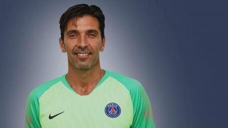 Buffon resmi diperkenalkan Paris Saint Germain. - INDOSPORT