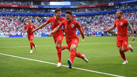 Harry Maguire menjadi pembuka keran gol bagi Inggris saat melawan Swedia. - INDOSPORT
