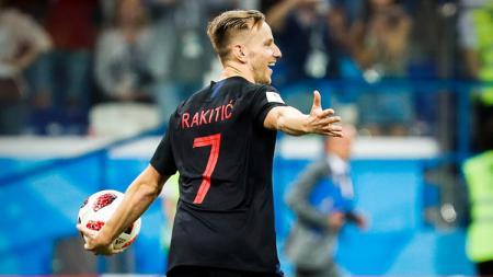 Ivan Rakitic menjadi penentu kelolosan Kroasia ke semifinal di babak adu penalti. - INDOSPORT