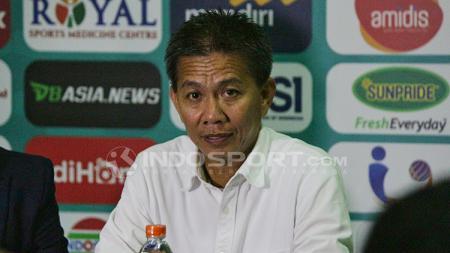 Hoang Anh Tuan  dalam jumpa pers. - INDOSPORT
