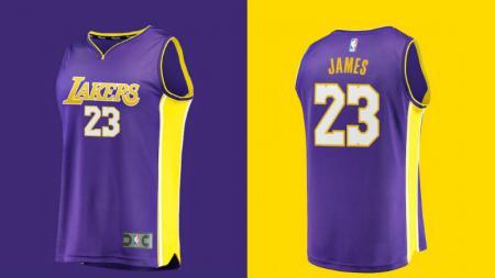 Jersey LA Lakers dengan nama LeBron James mulai dijual. - INDOSPORT