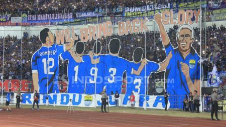 Koreografis dari Bobotoh untuk Persib Bandung. - INDOSPORT