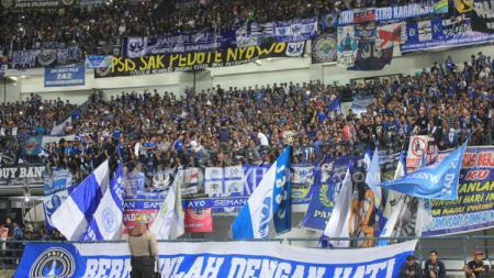 Stadion GBLA tampak dipenuhi Bobotoh di laga Persib vs PSIS. - INDOSPORT