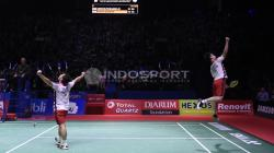 Aksi selebrasi Marcus Fernaldi Gideon/Kevin Sanjaya Sukamuljo menjadi juara Indonesia Open 2018.