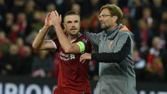 Indosport - Kapten Liverpool, Jordan Henderson (kiri) dan pelatih Jurgen Klopp.