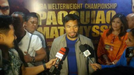 Manny Pacquiao jelang lawan Lucas Matthysse. - INDOSPORT