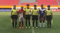 Indosport - Timnas Wanita Indonesia vs Filipina di Piala AFF Wanita 2018.