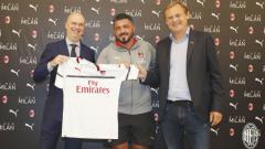 Indosport - AC Milan rilis jersey tandang baru mereka untuk musim 2018/19.