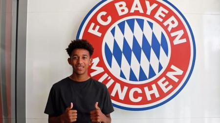 Bek anyar Bayern Munchen, Chris Richards. - INDOSPORT