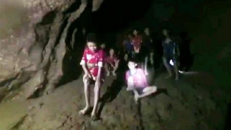 Pesepakbola Remaja Thailand Selamat di dalam gua Tham Luang - INDOSPORT