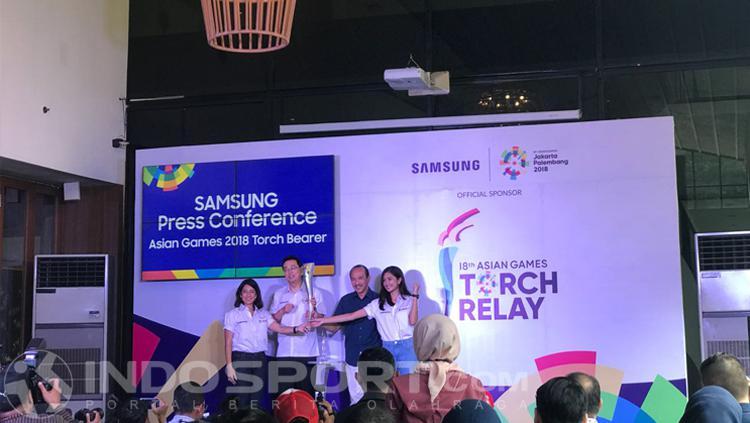 Dian Sastro dan Mikha Tambayong akan menjadi pemanis di Asian Games 2018. Copyright: Zainal Hasan/INDOSPORT