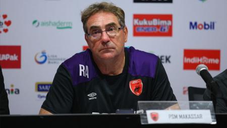 Pelatih PSM Makassar, Robert Renel Alberts. - INDOSPORT
