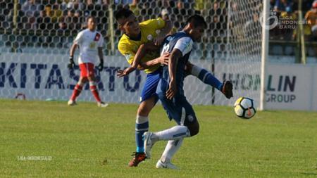 Jelang kick-off Liga 1 2020, Barito Putera perkenalkan pemain anyar, Boas Atururi di laga uji coba menghadapi Arema FC di Stadion Kanjuruhan, Minggu (23/02/20). - INDOSPORT