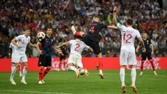 Indosport - Ivan Perisic buat gol saat Kroasia vs Inggris di Piala Dunia 2018.