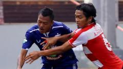 Indosport - Kedua tim berbagi satu poin di Stadion Moch. Soebroto.