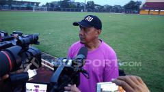 Indosport - Rahmad Darmawan, Pelatih Sriwijaya FC, dalam sesi wawancara.